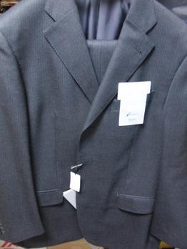 スーツ3.JPG